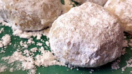 Barely sweet, majorly buttery, and nutty-crunchy, these Mexican Wedding Cookies will melt in your mouth and have you craving more.